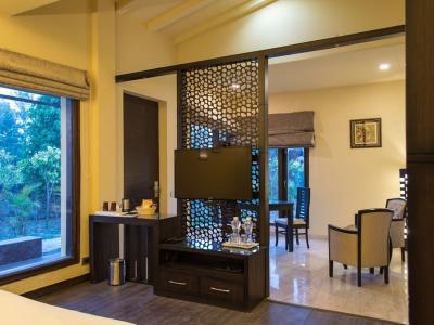 Tusker's Family & Friend Suite