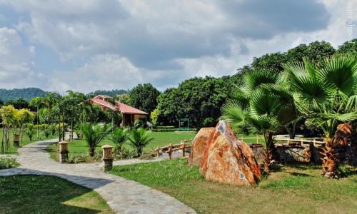 IRIS Resort & Spa
