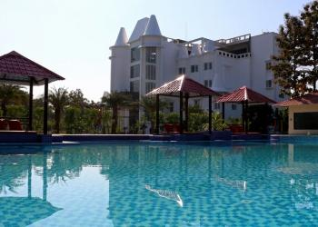Blue Orchids Hotel & Resort New Year Package